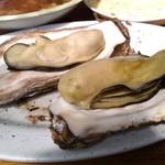 浜英水産 - 蒸し牡蠣