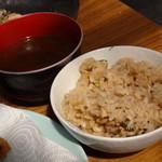浜英水産 - 牡蠣ご飯、牡蠣の味噌汁