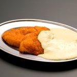 とりとり亭 - 名物チキン南蛮フライ。一番人気です。