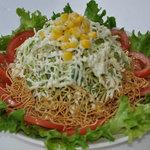 弥次喜多 - 料理写真:キャベツのパリパリサラダは只今人気急上昇