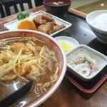 みよし食堂 - 味噌ラーメンと豚バラ定食