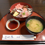 割烹 味香佐 - 料理写真:海鮮丼(980円)