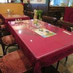 サンサール - テーブル席