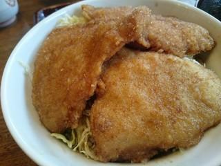 和風レストラン 松竹 - ソースかつ丼アップ 千切りキャベツが敷いて有ります