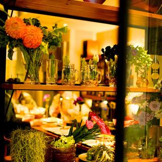 季節のお花が彩るオシャレ空間