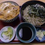 """やな伊 - 料理写真:親子丼セット(お蕎麦は""""ざる""""相当)"""