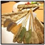 串むすび・博 - 串揚げ。 リーズナブルで美味い。 この時期の中目黒で混んでるのはしょうがないね。