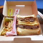 るすた - 料理写真:特選石垣牛サンド(3,460円)