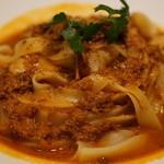 食堂カフェ potto - オマール海老と紅ズワイ蟹のクリームソース 大盛平麺