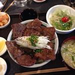 炭火焼肉 半蔵門 - 牛タン定食限定5食。1500円