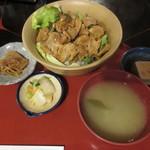清久仁 - 豚バラ丼定食 950円