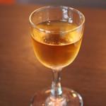 セピア - 電気ブランとは、東京都台東区浅草にある神谷バーの創業者、神谷伝兵衛が作ったアルコール飲料のこと。
