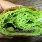 ベーカリー&カフェ コンネ - 抹茶餡巻きクロワッサン