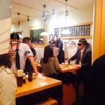 立飲み寿司 三浦三崎港 めぐみ水産 - 賑わってます早くから
