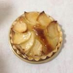 壷屋  - 小さいですが甘くて美味しいリンゴのパイ。