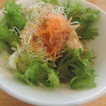 カフェ・ハッピーアベニュー - ランチのサラダ