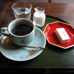喫茶 いし塀 - お菓子付きの珈琲 550円