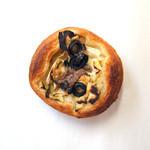 小麦と酵母 濱田家 - 料理写真:アンチョビ春キャベツ