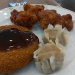 釧路ロイヤルイン - メンチカツ、焼売、鶏の甘酢
