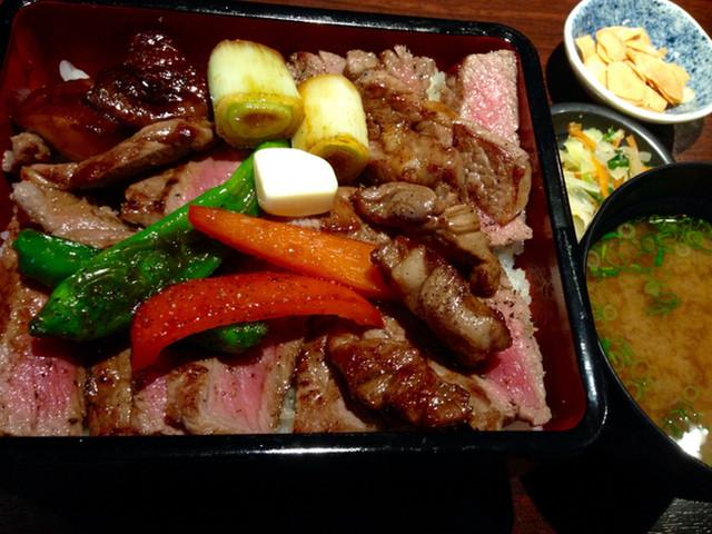 ステーキしま -  ステーキ重 ¥1600