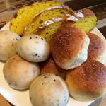 ラ・パウザ 小麦の家 - パン
