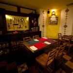 ラ・コシーナ・ガブリエラ・メヒカーナ - 六本木の隠れ家バーでステーキとメキシコ料理を堪能。
