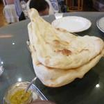 インド料理 ショナ・ルパ - ナン