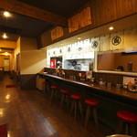風来軒 - 内観写真:落ち着いた雰囲気で カウンター テーブル 座敷の 全59席