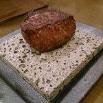 36424928 - A5ランクの赤身熟成肉<ランプ>のステーキ、200g。【2015.3】