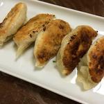 中華料理 喜楽 - 喜楽(特製手づくり生餃子を焼いてみた)