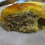 サンシャイン - 中にトロトロチーズとハンバーグが入った美味しい一品です。