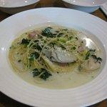 サンシャイン - 牡蠣のパスタ、牡蠣から出る美味しさがパスタに良く絡んでました。