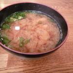 四季の寿司処 すしまる - 海老頭汁 海老の頭が12個も☆ 出汁がよく出てます