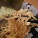 濃豚骨醤油ラーメン 馬力屋 - ラーメン600円。のり(7枚)100円、野菜畑100円トッピング。