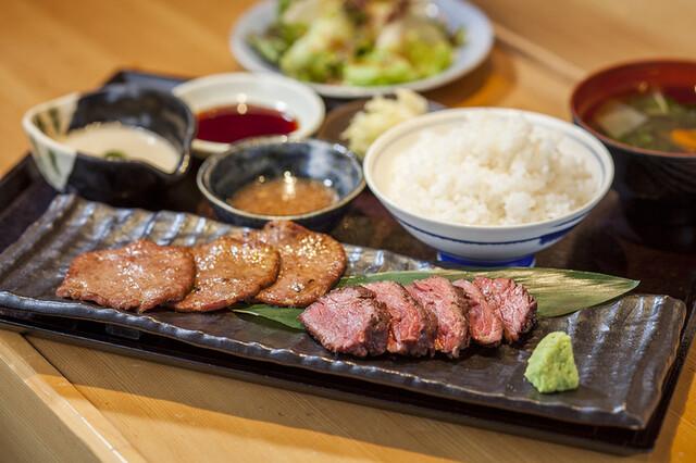 ランチメニュー : 赤坂 金舌 (きんたん) - 赤坂見附/牛料理 [食べログ]