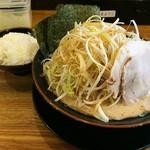 ゴリ男 - どか旨ネギラーメン(麺固め・スープ濃い目・油多め) 890円