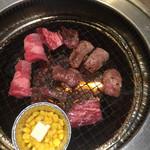 じゅうじゅうカルビ - 料理写真:カルビ  ハラミ  バターコーン