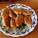 よしのや - 料理写真:定食の餃子