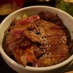 大ど根性ホルモン - ステーキ丼・肉W・・・金曜は千円です。