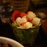 大ど根性ホルモン - グラスに入ってお洒落に・・・野菜が美味しい。