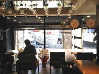 雪のはな 大阪道頓堀店 - 1階店舗 奥(道頓堀川が見えます♪)