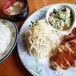 街の洋食屋 ラパン - 日替りランチ(豚肉のカツレツ&小松菜の卵とじ)810円 2015/03