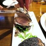 バル ビスカ - 特大 地ハマグリの真っ黒焼き