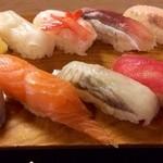 松乃鮨 - シャープできっちりとした握りです