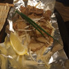 晴れる家 - 料理写真:鶏皮のパリパリ塩焼き