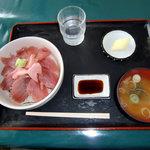 かしの侍 - マグロ丼