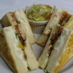 カフェバーロボ - サンドイッチ各種 750円