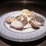 バー オーディン - 自家製旬の天然魚介類のマリネ