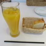 メリプリンチペッサ - フリードリンクとパン