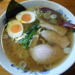和屋 - 料理写真:半熟煮たまご手打ち中華そば750円